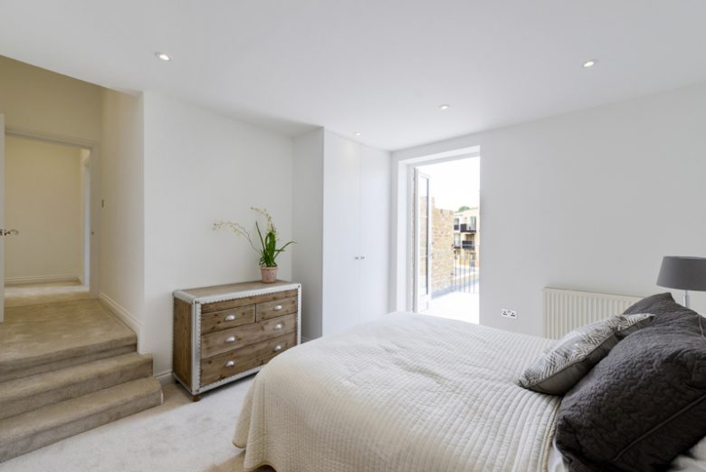 NOW SHOWING! Knight's Hill SE27, 8 Flats Available
